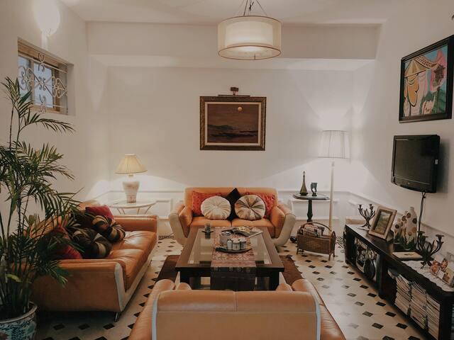 *BIG DISCOUNT*Vintage Apartment/Piano/Center/Quiet