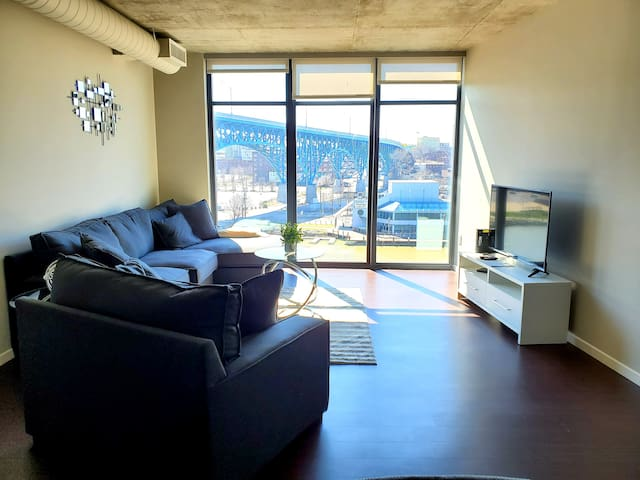 Luxury Apartment at The Flats Eastbank