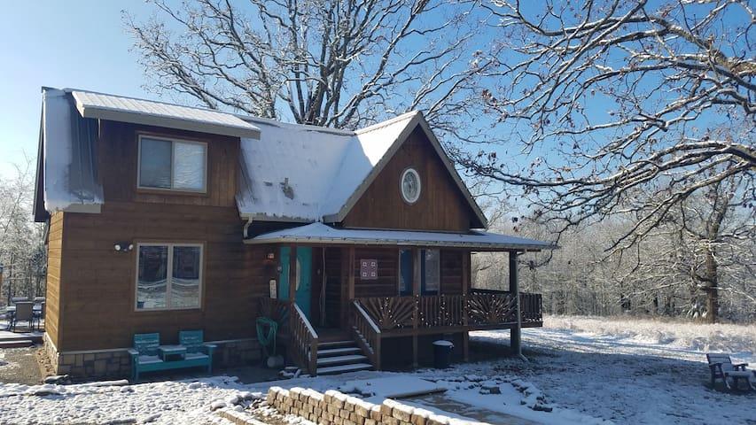 Big Oak Cabin : Ozarks, Hot Tub, North Fork River