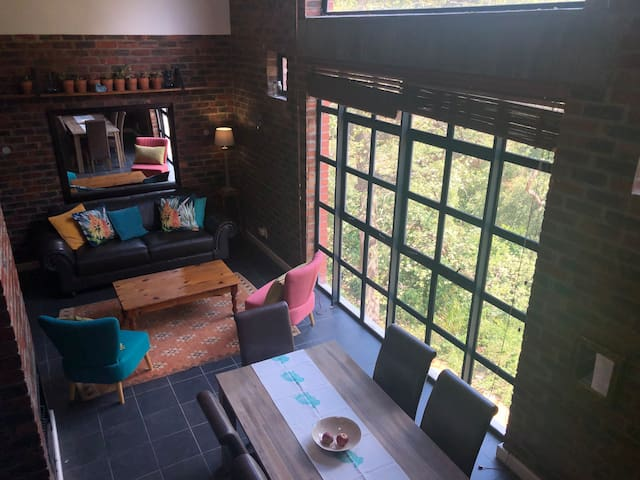 Stellenbosch loft with a view