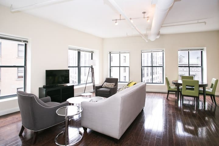 Sonder | Financial District | Bright 2BR + Laundry