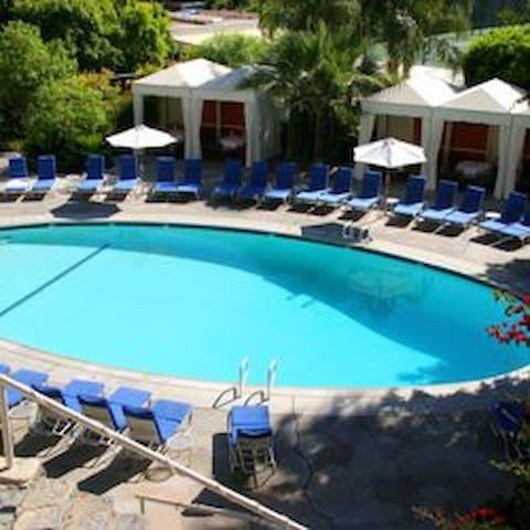 The Palm Springs Tennis Club Resort