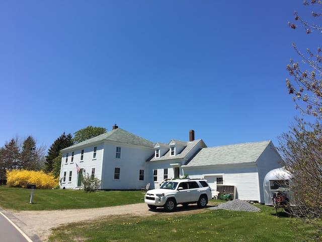Renovated Farmhouse at Pemaquid Beach Town Landing