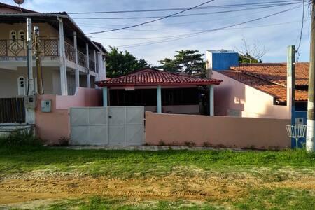 Casa em Cabuçu em condomínio fechado, ótimo lazer