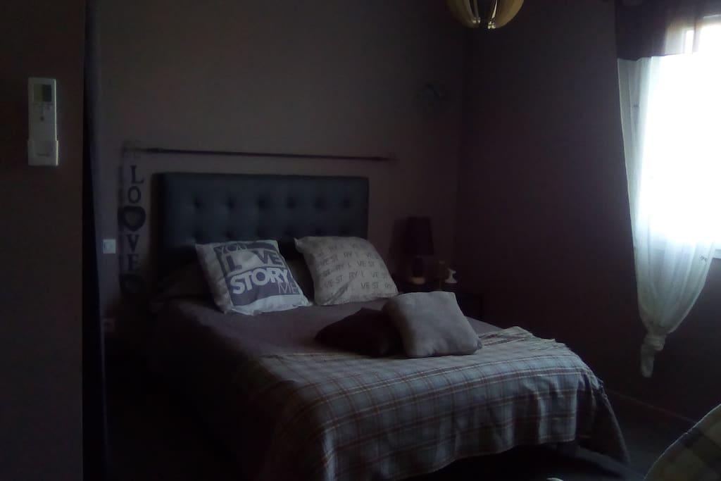 chez sylvie et miguel chambre campagnarde maison d 39 h tes louer montredon des corbi res. Black Bedroom Furniture Sets. Home Design Ideas