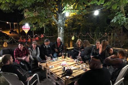 7 bett zimmer zum oktoberfest mit barbetrieb