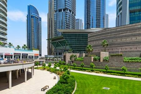 Huge studio near JLT Metro Station - Dubai