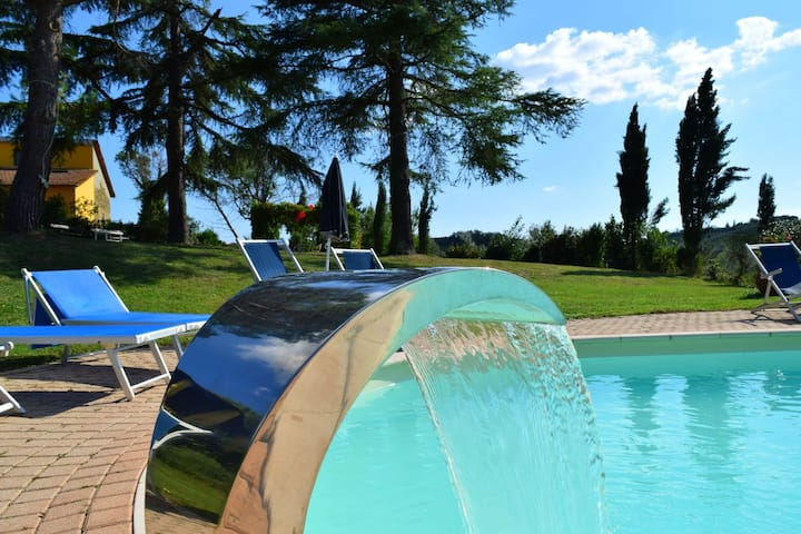 Holiday Home in Vinci with Swimming Pool,Garden,BBQ, Heating