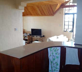 Comfy Penthouse with WiFi - Nairobi - Apartament