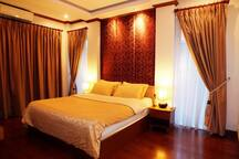 Large Master Bedroom with En-Suite Bathroom, Fully Air Conditioned, Room Safe