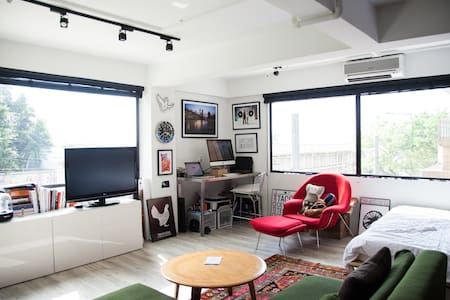 Designer Loft HK 10 mins from Central! - Kennedy town
