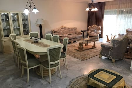 very secure apartment in Abdoun  - Amman - Lejlighed