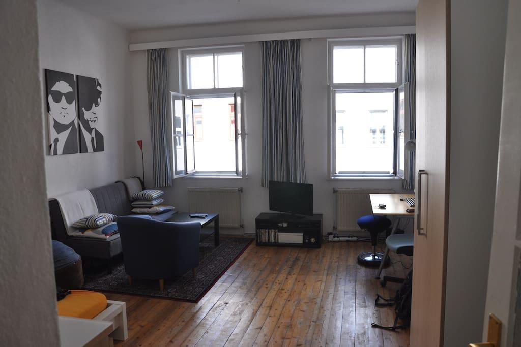 spacious bright room in a cosy shared flat wohnungen zur miete in wien wien sterreich. Black Bedroom Furniture Sets. Home Design Ideas