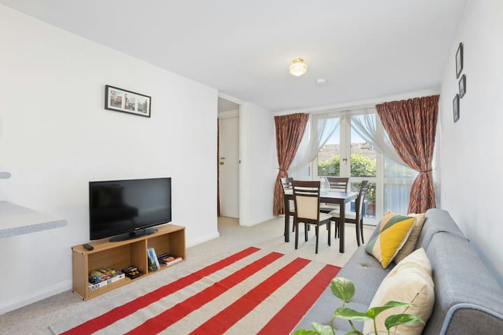 A convenient apartment located in South Perth