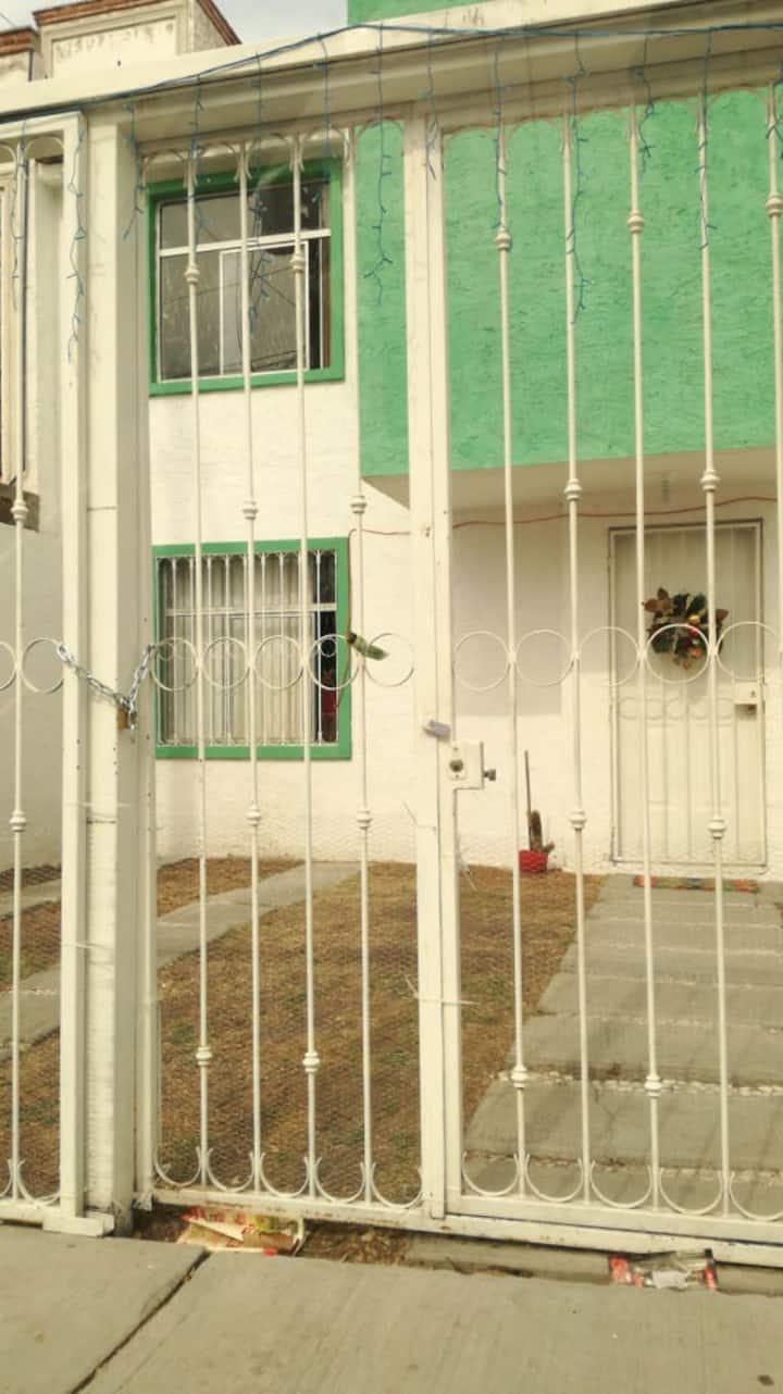 Habitación doble con baño en Querétaro 🌅👍