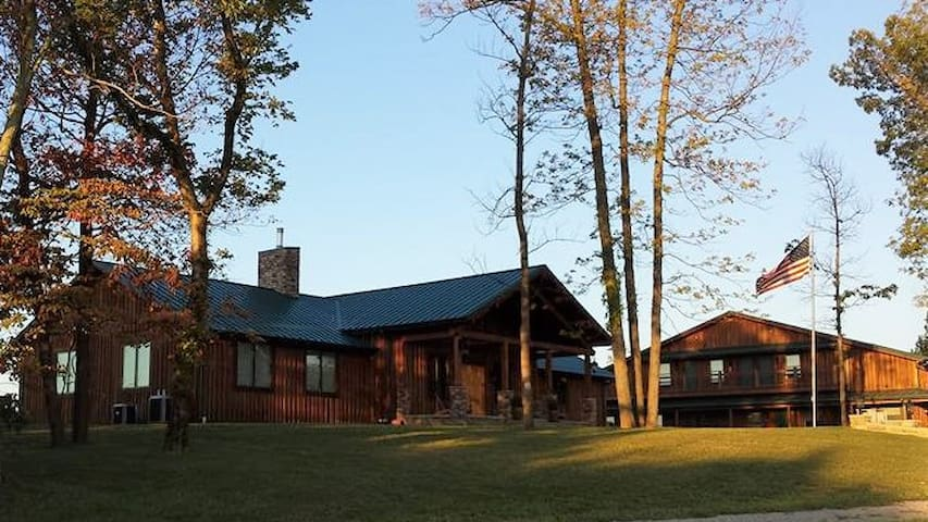 Beautiful Lodge with views in Western Kentucky! - Sturgis - Nature lodge
