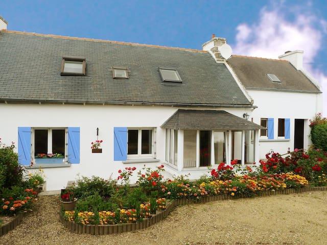 Bretagne tolles Ferienhaus am Meer - Primelin