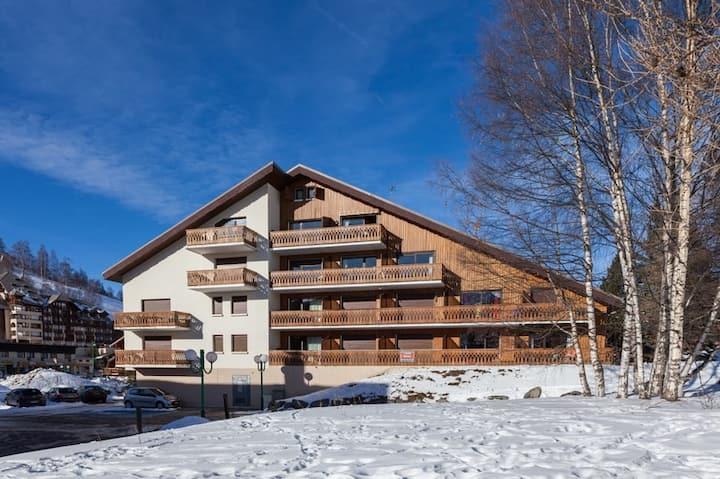 Endroit Super! Appartement Abordable Au Pied des Pistes | Parking + Local à Skis + Kitchenette