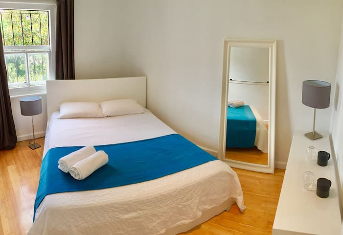 Surry Hills - Sydney - Bright Private Room