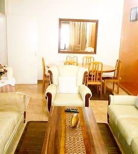 Appartement de 3 chambres très propre à louer.