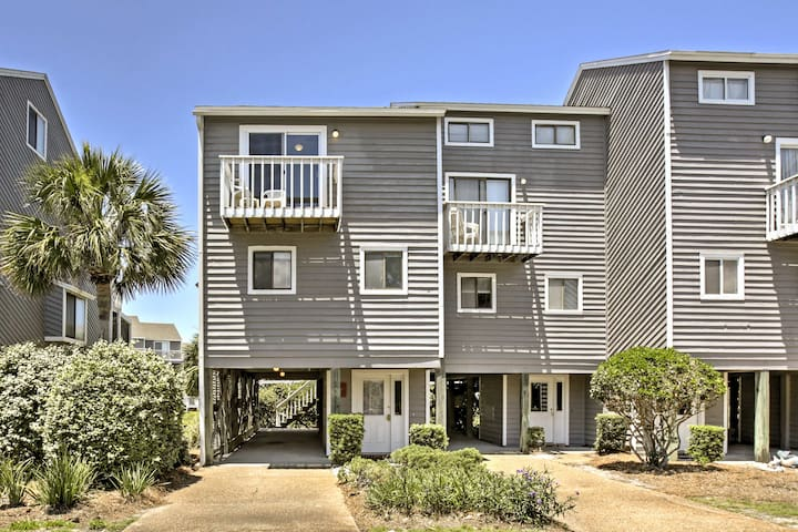 Cape San Blas Townhome w/ Pool & Discounted Rates!