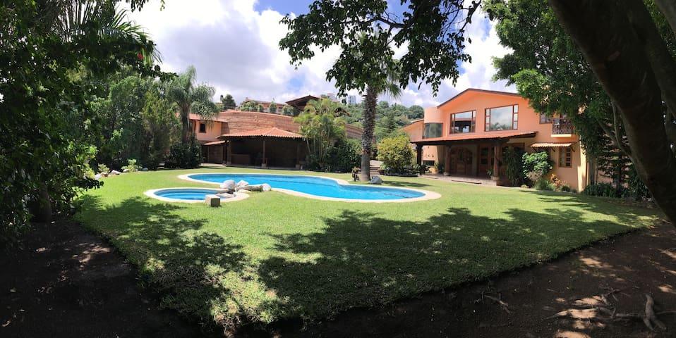 Taxco Casa Loma Del Sol. 13 huéspedes