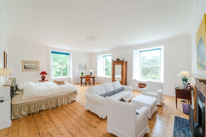 Suite in Beautiful Highland Estate by the Sea