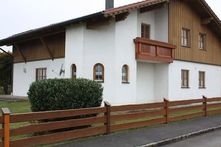 Ferienhaus mit Sauna  im Rottaler Bäderdreieck
