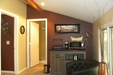 A MILE HIGH AT AN AFFORDABLE PRICE! - Golden - Loft