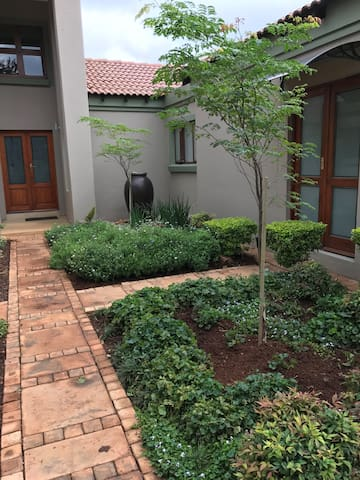 Walker Lane - Olifantsfontein - Apartment