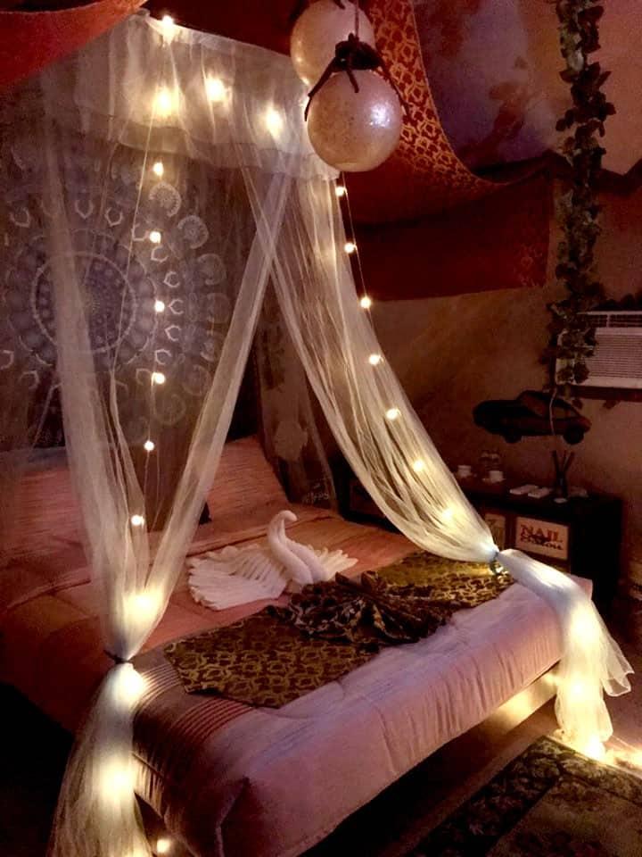 Leonardas Bed and Breakfast Purple Haze Room