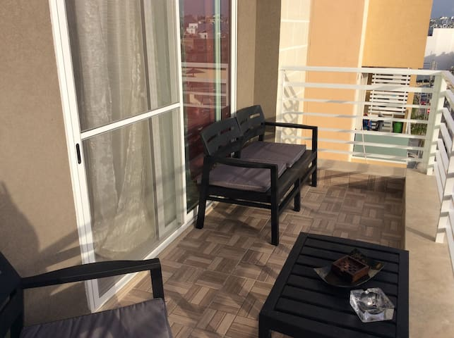PARK VIEW LODGE  (NEW) PRIVATE  TERRACE & BATHROOM - Swieqi - Byt