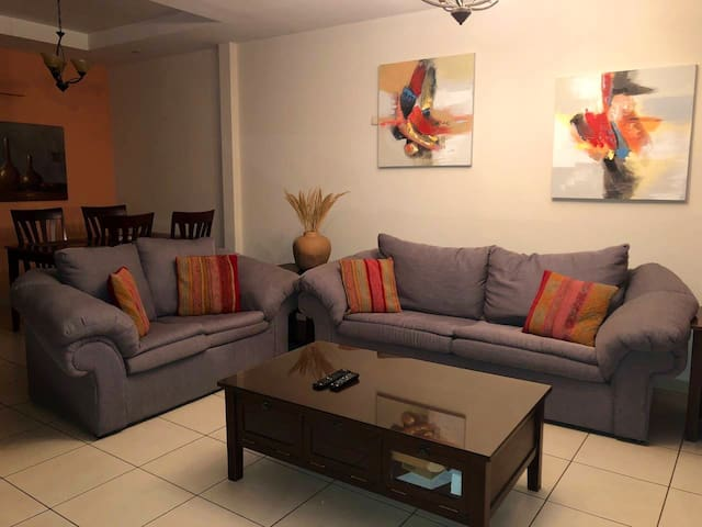 Large  3 bedroom apartment, excellent location