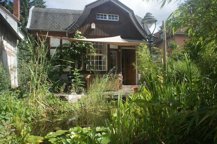 Stilechtes Fachwerkhaus mit 2 Schlafzimmern+Garten