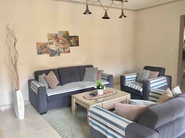 Stylish New furnished in central area b3