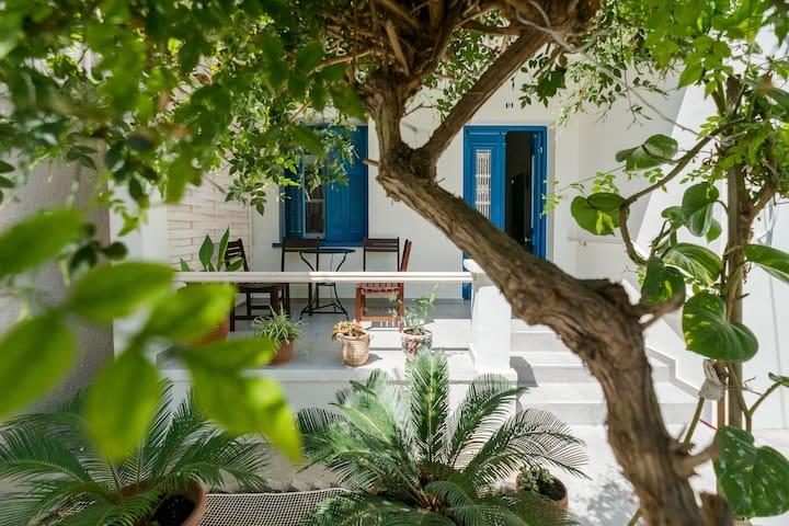 Grandma's Chic Home in Chania Venetian Harbor