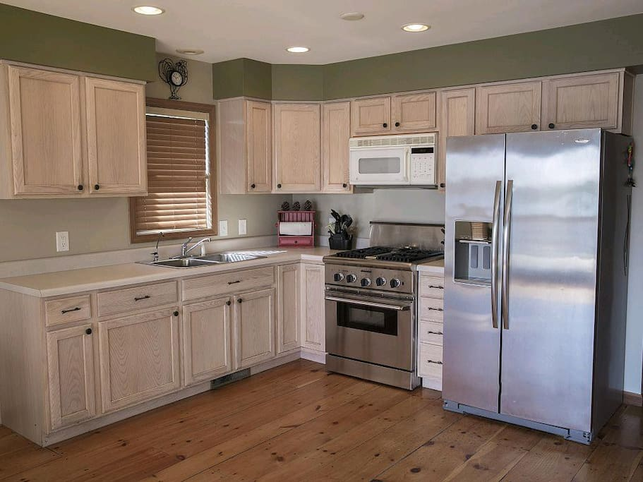 Kitchen with Thermador commercial range.
