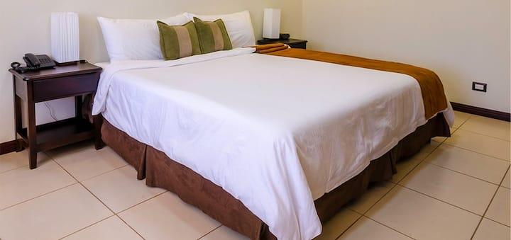 Hotel Monteverde Poco a Poco Bromelia 1  Bed