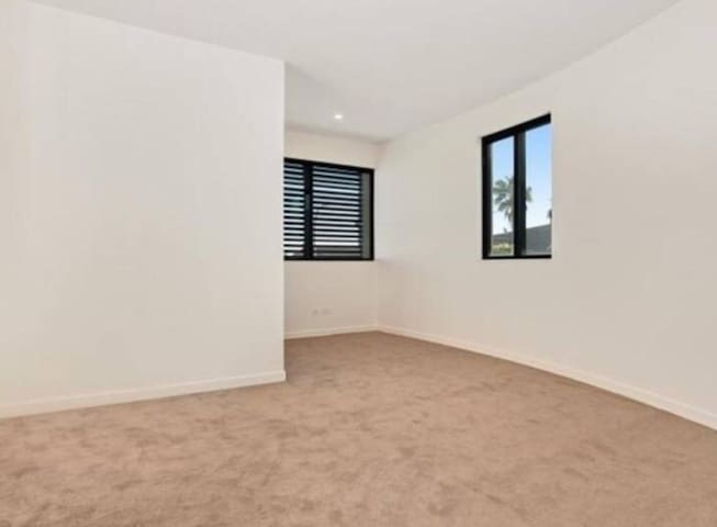 Prime location 2 bedroom apartment - Hunters Hill