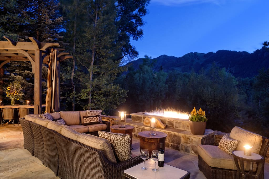 A multi-level terrace offers many distinct vantage points to take in the wild views of Aspen Mountain and the Roaring Fork River.