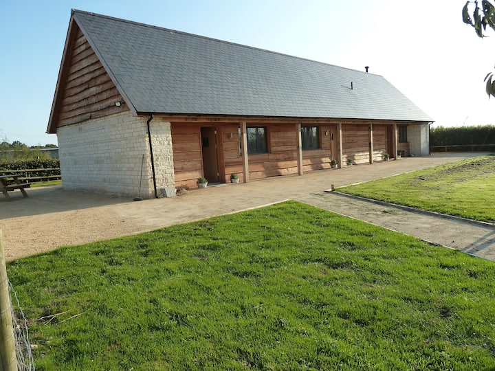 Wiltshire Farm stay  at LacockAlpaca  - 2 bedrooms