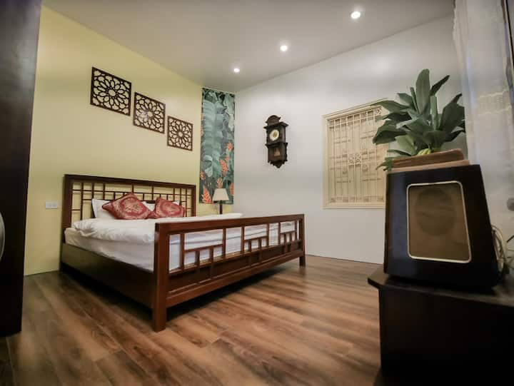 Warm house-2 bdr-2min walk to Temple of literature