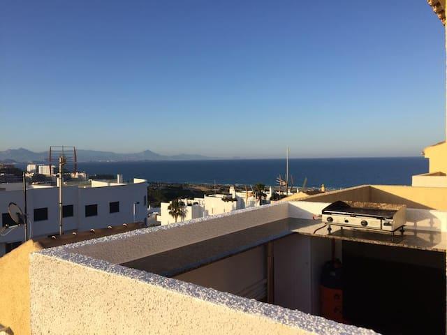 GRAN ALACANT Aangenaam huis met uitzicht op zee
