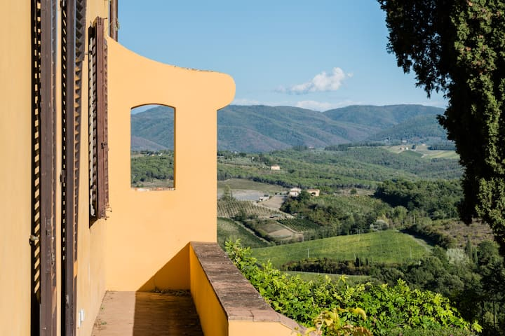 Apartment in historical Chianti Villa