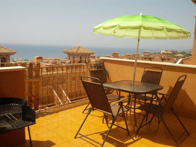Stunning Seaview Apartment with Air Con and Wi-Fi