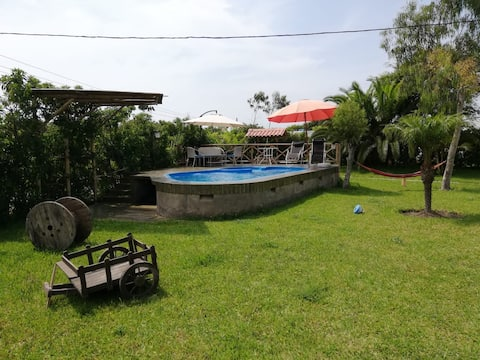Casa de campo FAMILIAR/piscina/petfriendly/wifi