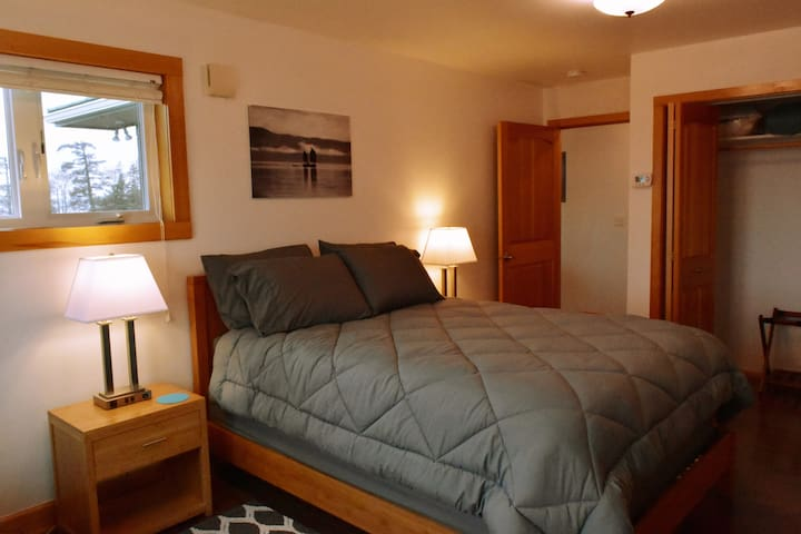 Lighthouse Inn Apartment: Luxurious; Private