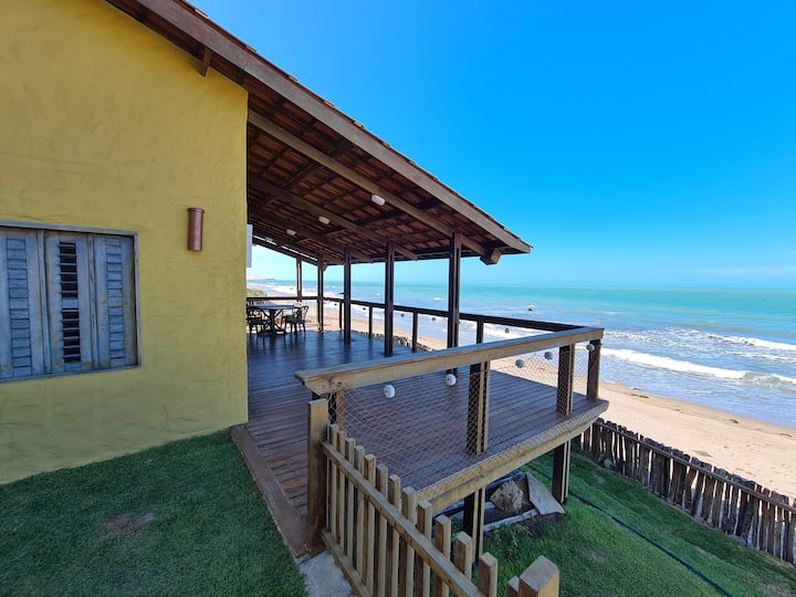 Morada Mariana - Casa Moderna na beira da praia!