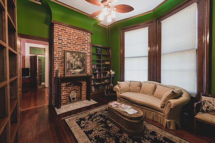 New Orleans Suite (Garden District Uptown)