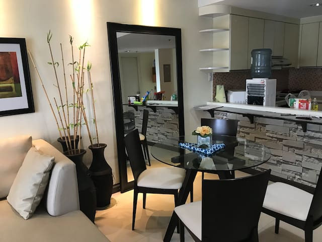 ADC Condo Rental At Infinity 1 br; 64mbps
